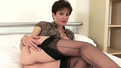 Unfaithful british milf lady sonia flashes her heavy 81nVR