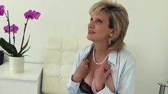 Unfaithful english milf lady sonia unveils her big knockers3