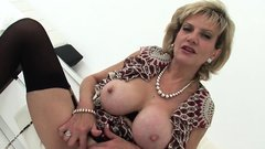 Unfaithful english milf lady sonia showcases her heavy hoote