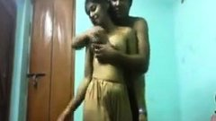Indian MILF Gets Molested On WebCam - Part2 On HDMilfCam.com