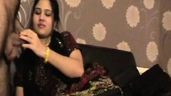 Mature Indian MILF Bhabhi Sucking Big Meaty Desi Cock