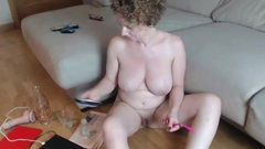 redhead milf with pale skin masturbating on cam