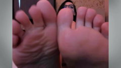 FEET IN FACE - BRUNETTE MILF - THICK GILF - NO SOUND