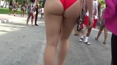 SEXY WHITE ASS WALKING