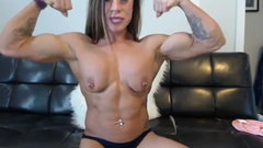 topless muscle woman webcam show