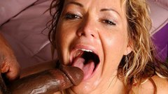 Milf getting that black salami stuck up her soaking wet twat