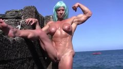 Wild muscle  MILF pissing