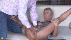 Posh mature Josefine squirts and fucks like whore