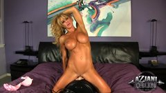 5 Sexy fitness Milfs Ride The Sybian